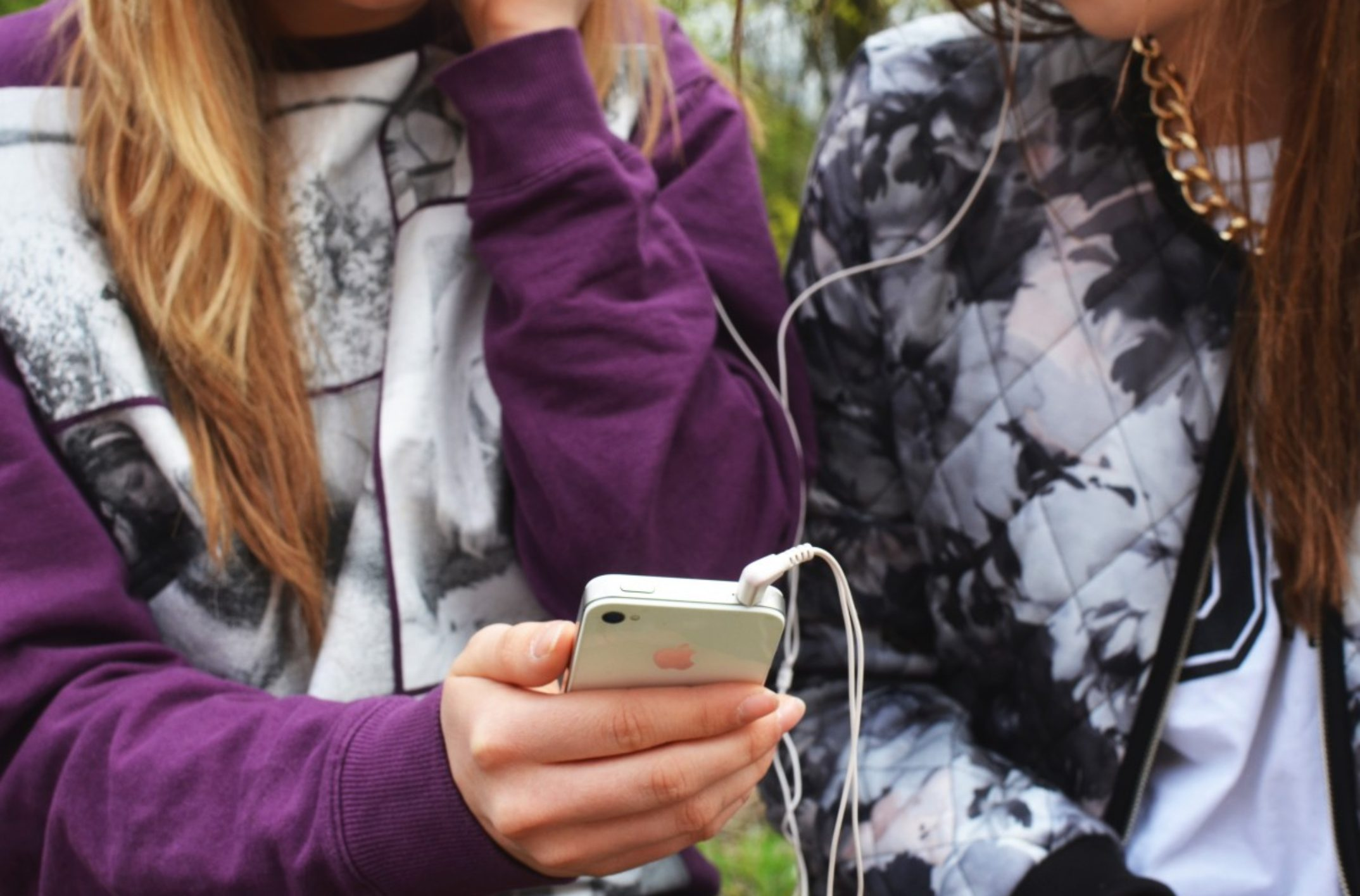 Faut-il contrôler le téléphone de ses enfants?