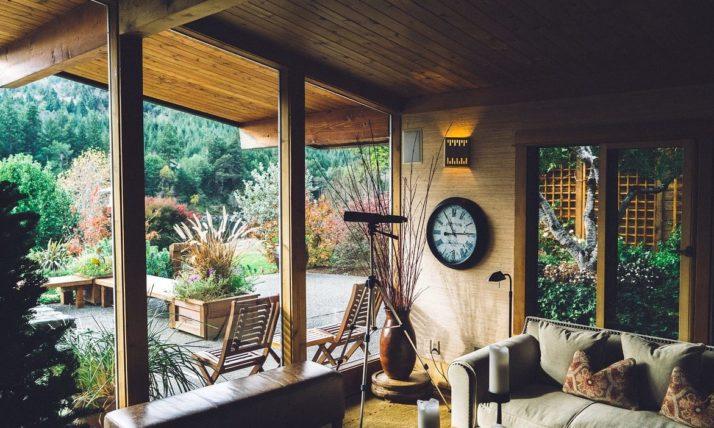 La véranda: solution agréable pour agrandir sa maison et profiter de son foyer