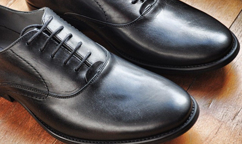 Chaussure en cuir : pourquoi faut-il les cirer ?
