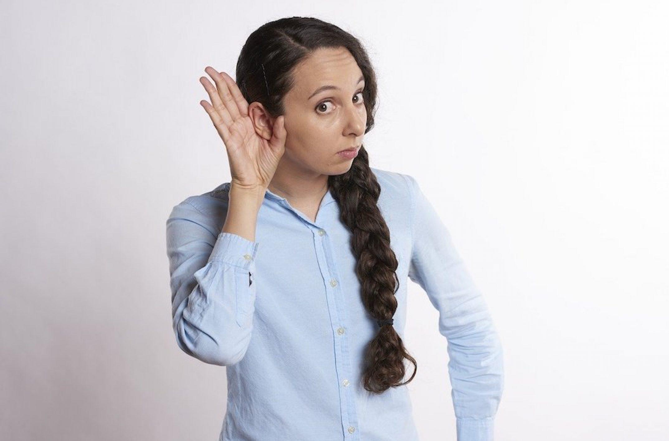 Bouchon de cérumen : quels gestes adopter et quand consulter ?