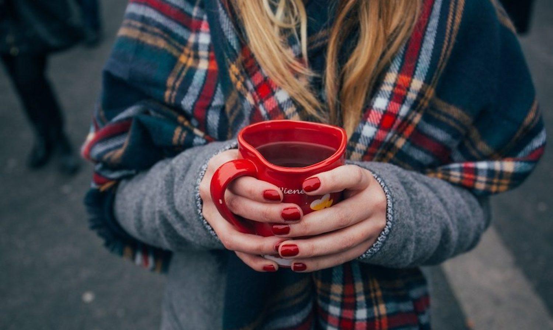 Comment enlever du vernis sans dissolvant? 5 astuces faciles